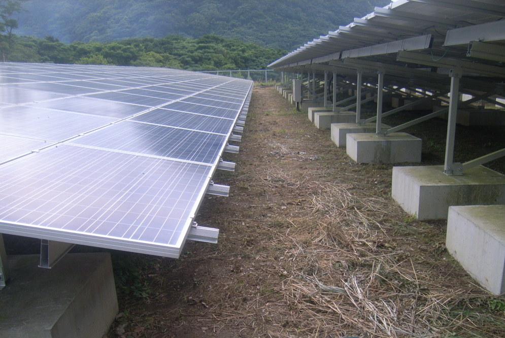 太陽光発電 雑草処理後1